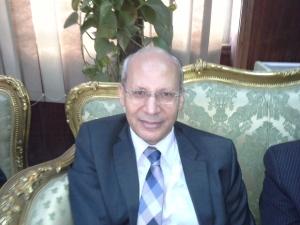 د . السعيد زكى عميد كلية الزراعة