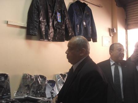 رئيس جامعة السادات يتفقد اقسام المعرض